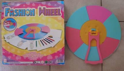 Fashion Wheel by Magic Art - for the budding designer