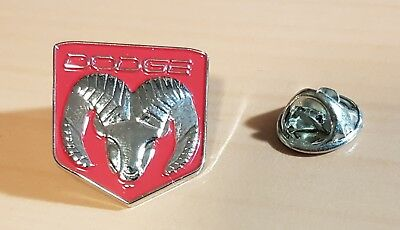 Dodge Pin Ram rot lackiert Maße 17x18mm