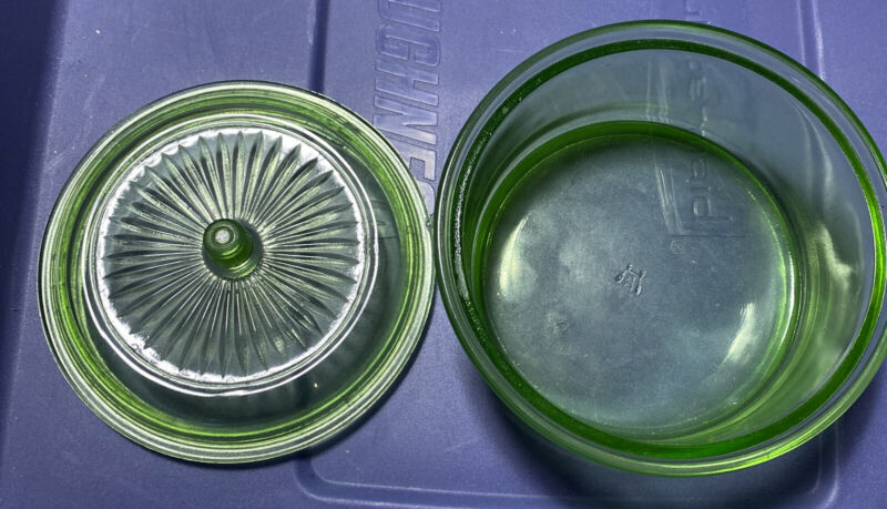 Vintage Green Depression Glass Hazel Atlas Round Refrigerator Dish w/Domed Lid