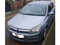 Vauxhall Astra with Black Tinted Windows. 2005 (54 Reg) 1.4 Petrol. Cheap TAX and Insurance