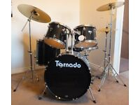 8 PEICE TORNADO DRUM KIT WITH PAISTE AND SABIAN SYMBOLS IN EXCELLENT CONDITION