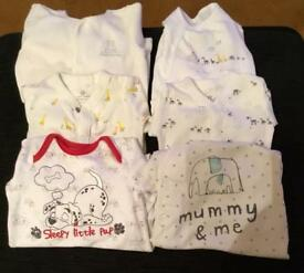 Unisex baby grows up to 1 month