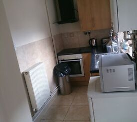 Nice fully furnished single room in northampton £65