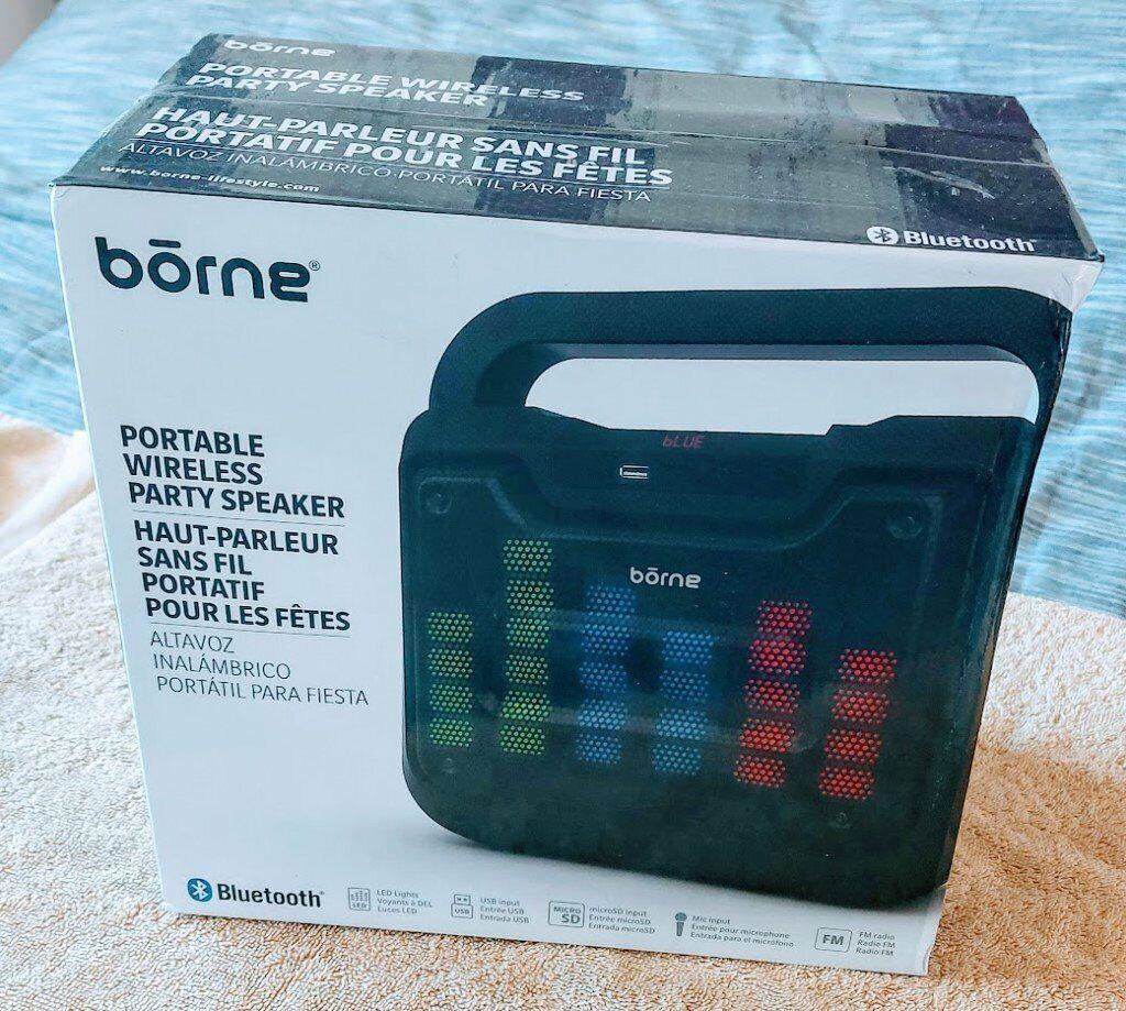 borne bluetooth wooden speaker