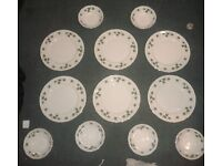 Vintage/Retro Colclough Ivy Fine Bone China 6x Dinner Plates + 6x Bowls