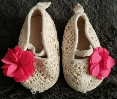 Rising Star ~ Baby Girl Lacy Ivory Crib Shoes Pink Flower ~ Size 3-6 Months