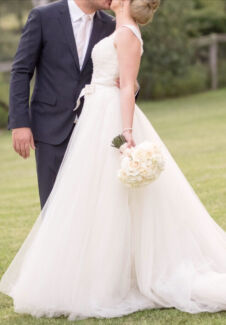 Gorgeous ivory Designer convertible wedding dress Dry Cleaned Brighton-le-sands Rockdale Area Preview