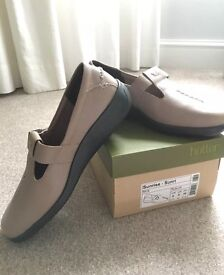 Ladies Brand new Hotter shoes uk size 6