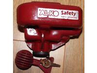 Alko Hitch lock with Safety Ball, 2 Keys & instruction sheet