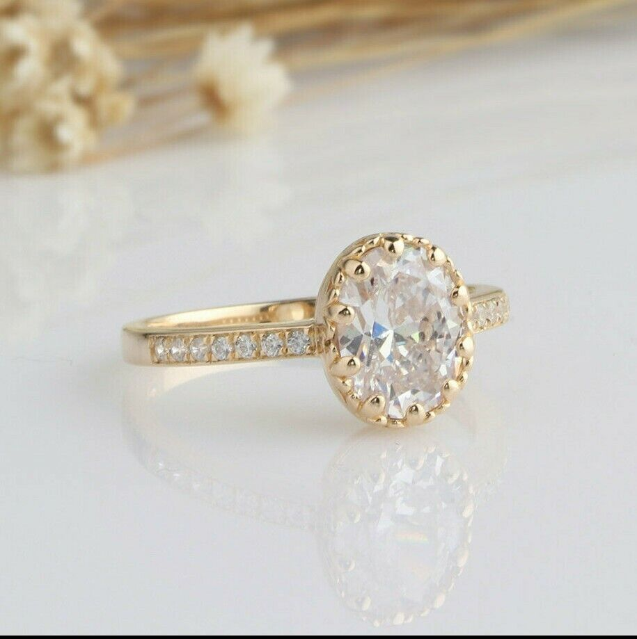 2.12 Tcw Vintage Style Oval Cut Engagement Ring in Yellow Go