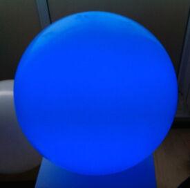 SLIDE DESIGN GLOBO OUT - 50cm REMOTE CONTROL MULTI-COLOUR LIGHT BALL
