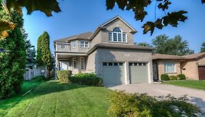 LUXURY ALL BRICK CARPET FREE 4BED/3BATH-Kitchener