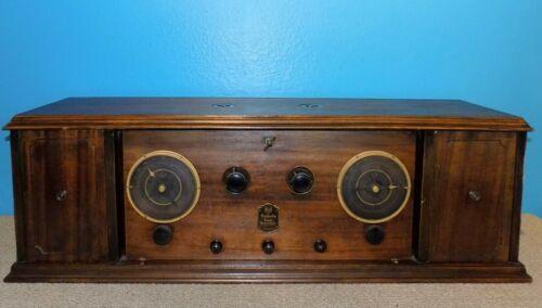 RCA Radiola AR-812 Superheterodyne Tube Radio Great Condition
