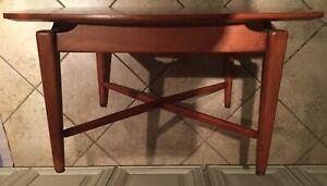 "Mid Century Danish Style Wood Table 30""x26""x16"" Height"