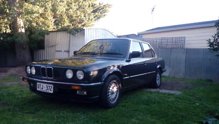 BMW e30 323i auto