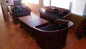 Outdoor lounge/sofa set with coffee table Quinns Rocks Wanneroo Area Preview