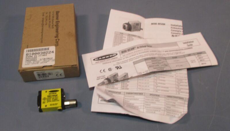 Banner SM312QD Divergent Diffuse Sensor 1 NPN; 1PNP 130mm Range NIB