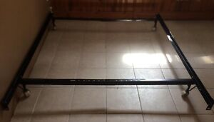 Metal Bed Frame Adjustable to Queen/ Full/Double/single.