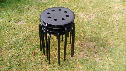 Stackable outdoor round stools