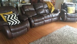 Couch and 2 reclining chairs Derrimut Brimbank Area Preview