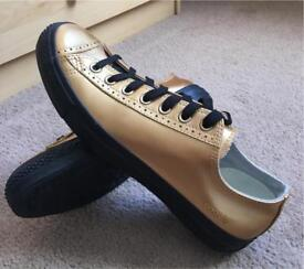 CONVERSE MENS COOKIE BLACK/GOLD SIZE 10