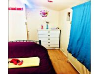 NICE SINGLE ROOM, 2 weeks t any period. ENTRY Today. Good for 1 person student/professional