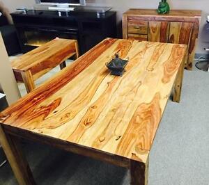 Salle manger cuisine dans grand montr al meubles for Meuble exterieur montreal