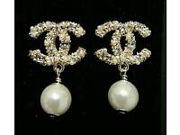 Beautiful Chanel Pale Gold crystal & pearl drop Earrings Exquisite Quality!