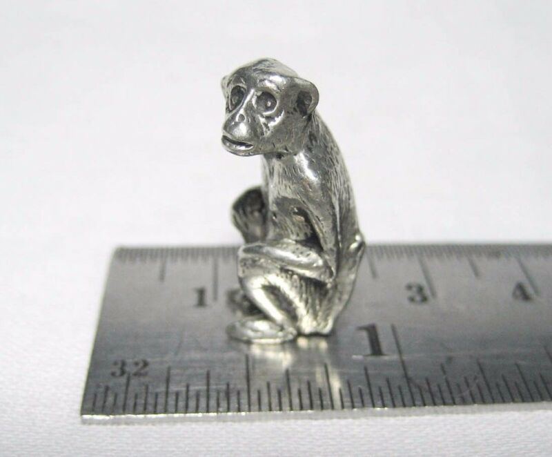 lead free pewter monkey figurine E5087