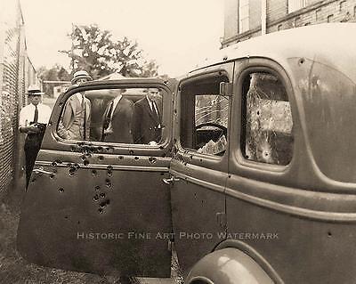 BONNIE AND CLYDE VINTAGE PHOTO AMBUSHED DEATH CAR BULLET HOLES #20965