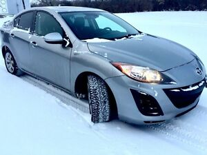 2011 Mazda 3 low kms good on gas