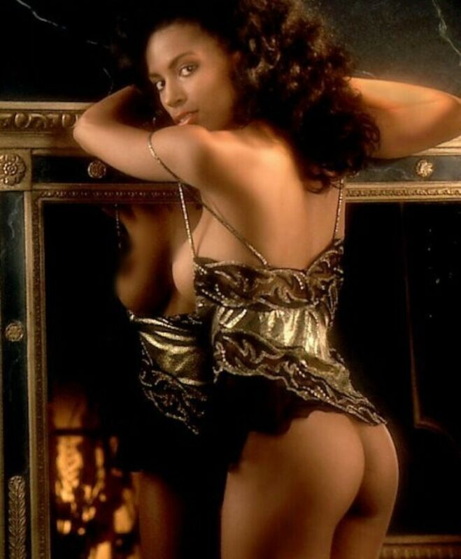 Playboy Playmate - Renee Tennison - Sexy Pose  - Nice Butt !!!