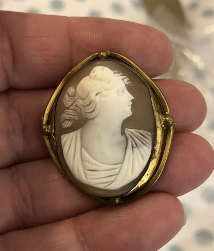Antique victorian Hand Carved Cameo Pendant
