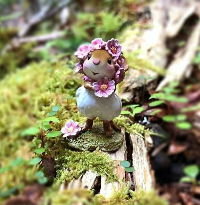 Wee Forest Folk   Daisy Chain  White  M 396