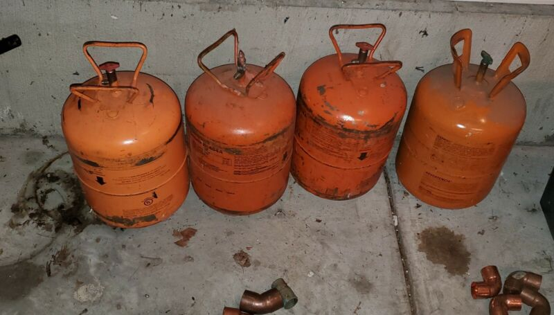 4 JUGS R404a, R404, R-404, 404a Refrigerant