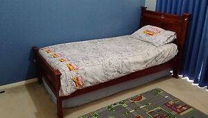 Single bed with mattress Lynbrook Casey Area Preview