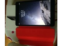 Apple iPad Mini 2 - 16gb - wifi model - with Apple Product Red case