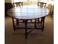Round Oak Antique Gateleg Table, 17thC . Seats 8-10
