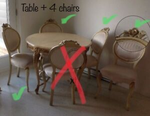 Beautiful original vintage table and 4 chairs