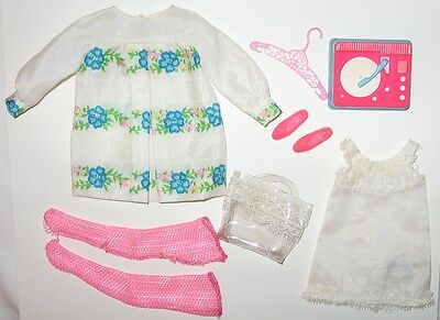Vintage Barbie Francie # 1229 Sugar Sheers Outfit Near Complete NM HTF Tote