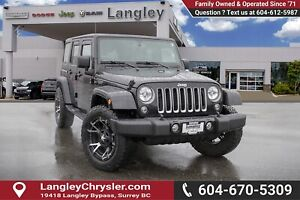 2017 Jeep Wrangler Unlimited Sahara *BLUETOOTH* * NAVIGATION*