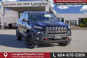 2015 Jeep Cherokee Trailhawk *BLUETOOTH* * NAVIGATION* * BACK...