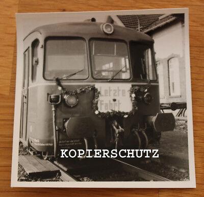 """Altes Foto Lokomotive / Zugwagen / Eisenbahn mit Schuld """" Letzte Fahrt """""""