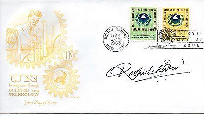 UN NY FDC 114 115 WISSENSCHAFT ARTMASTER SIGNIERT VON BRIEFMARKE DESIGNER