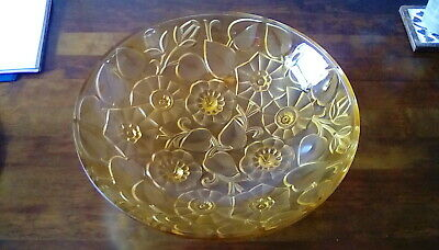ART DECO AMBER PRESSED GLASS BOWL WITH FLOWER AND FOLATE DECORATION.