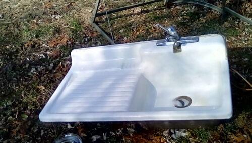 Vintage Cast Iron White porcelaine Farm Sink Left Side DrainBoard