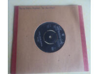 Vinyl single - - - THE WHO: Anyway Anyhow Anywhere / Daddy Rolling Stone (1965 - 05935)