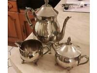 Tea/coffee pot, sugar and milk set