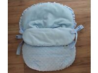 pale blue vib car seat cosy toes