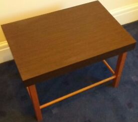Small Side Table, Dark Oak Effect Laminate, Simple and Elegant, Very Good Condition